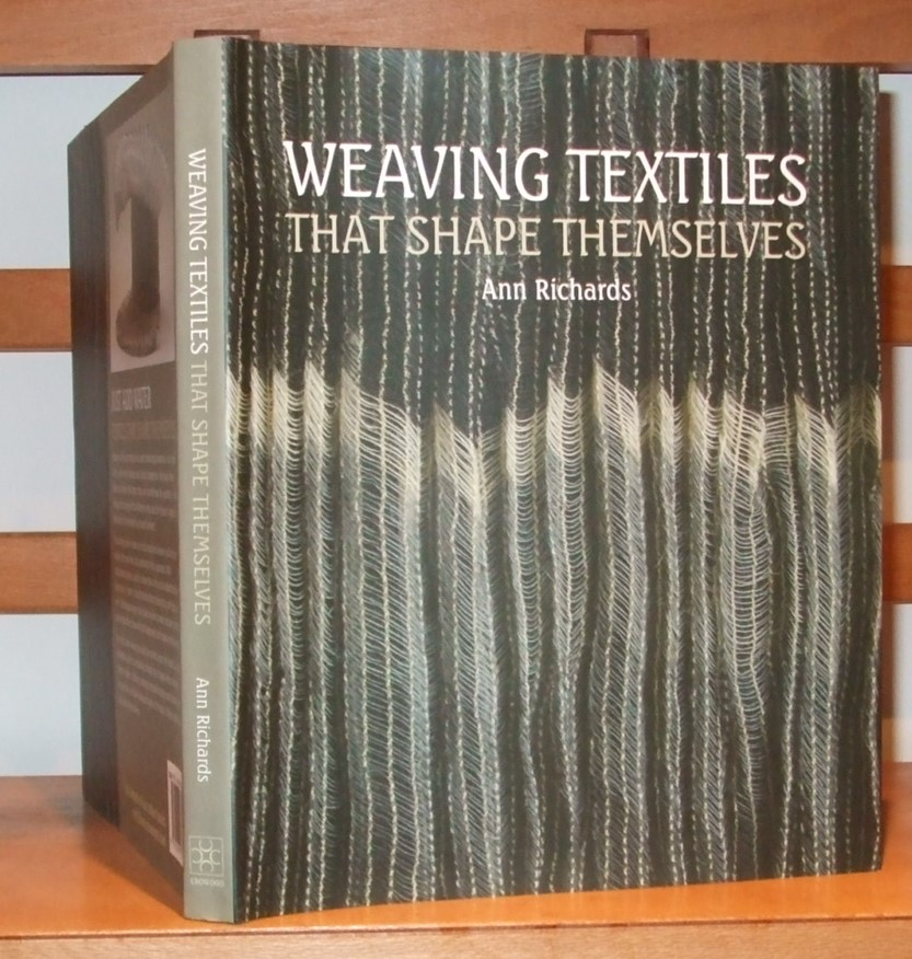 Image for Weaving Textiles That Shape Themselves